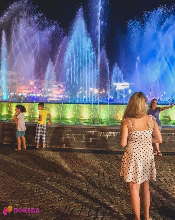 Шоу Dancing Fountains