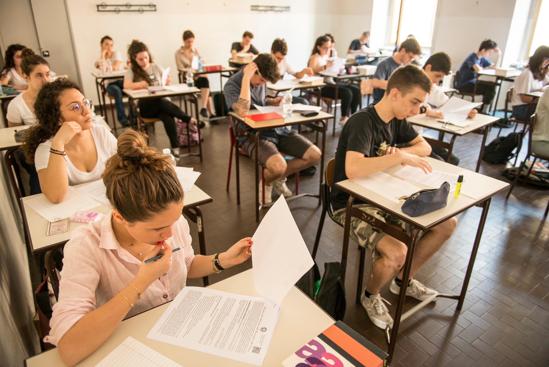 Абитуриенты сдают экзамены для поступления в финский вуз