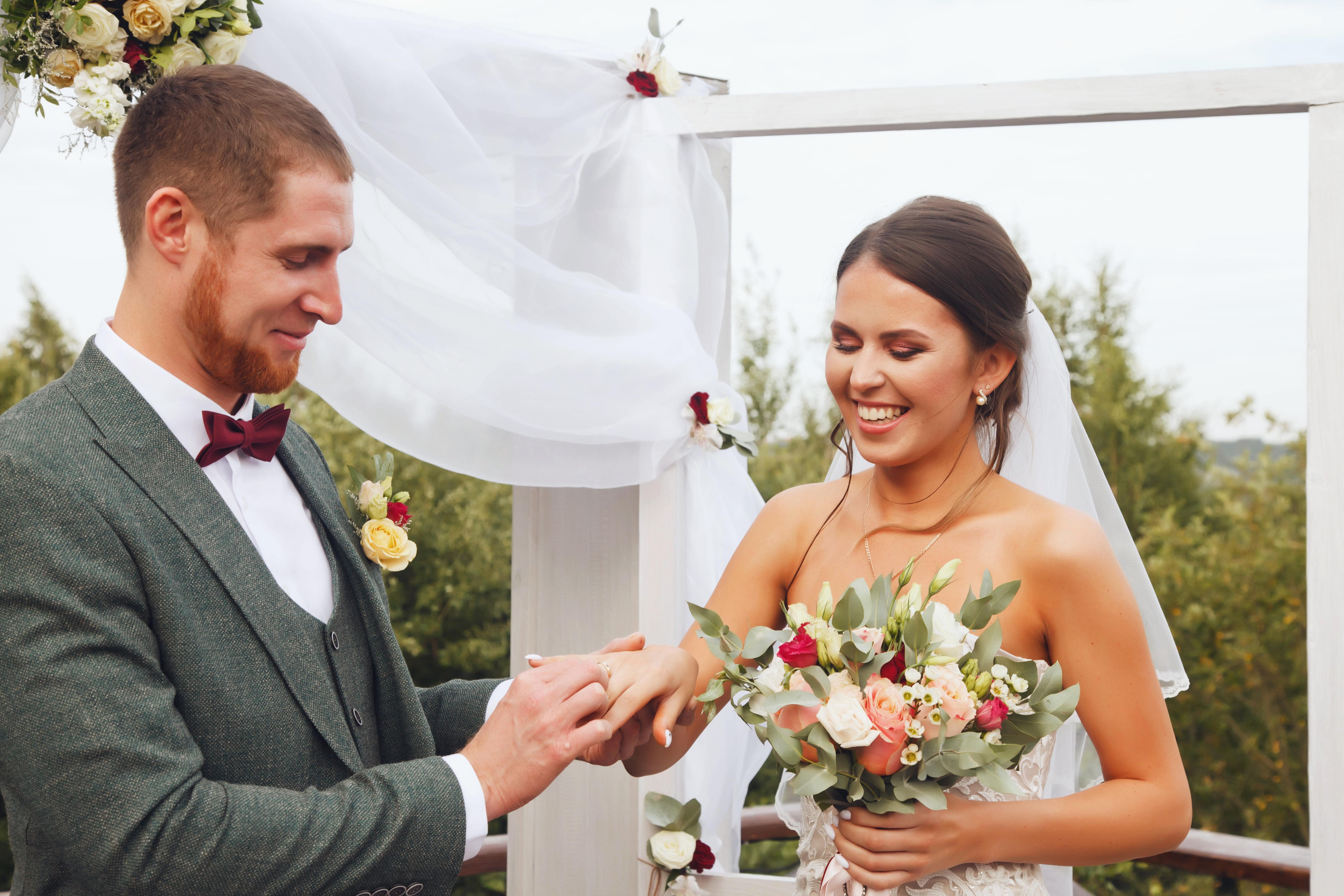 Вступление в брак как возможность получить гражданство Франции для иностранца