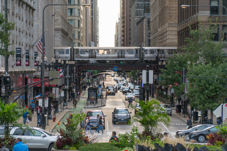 Улица в американском городе Чикаго, куда могут иммигрировать иностранцы