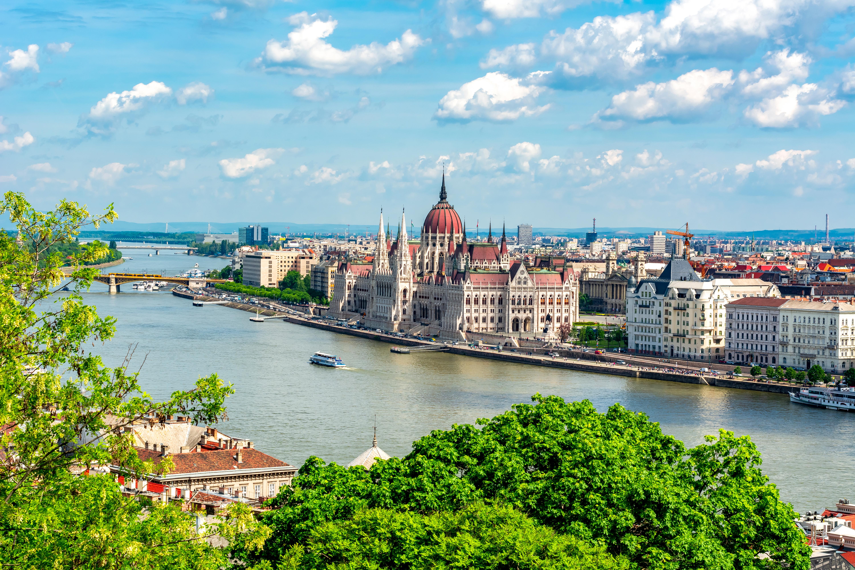 Будапешт, столица Венгрии, ПМЖ которой могут получить иностранцы