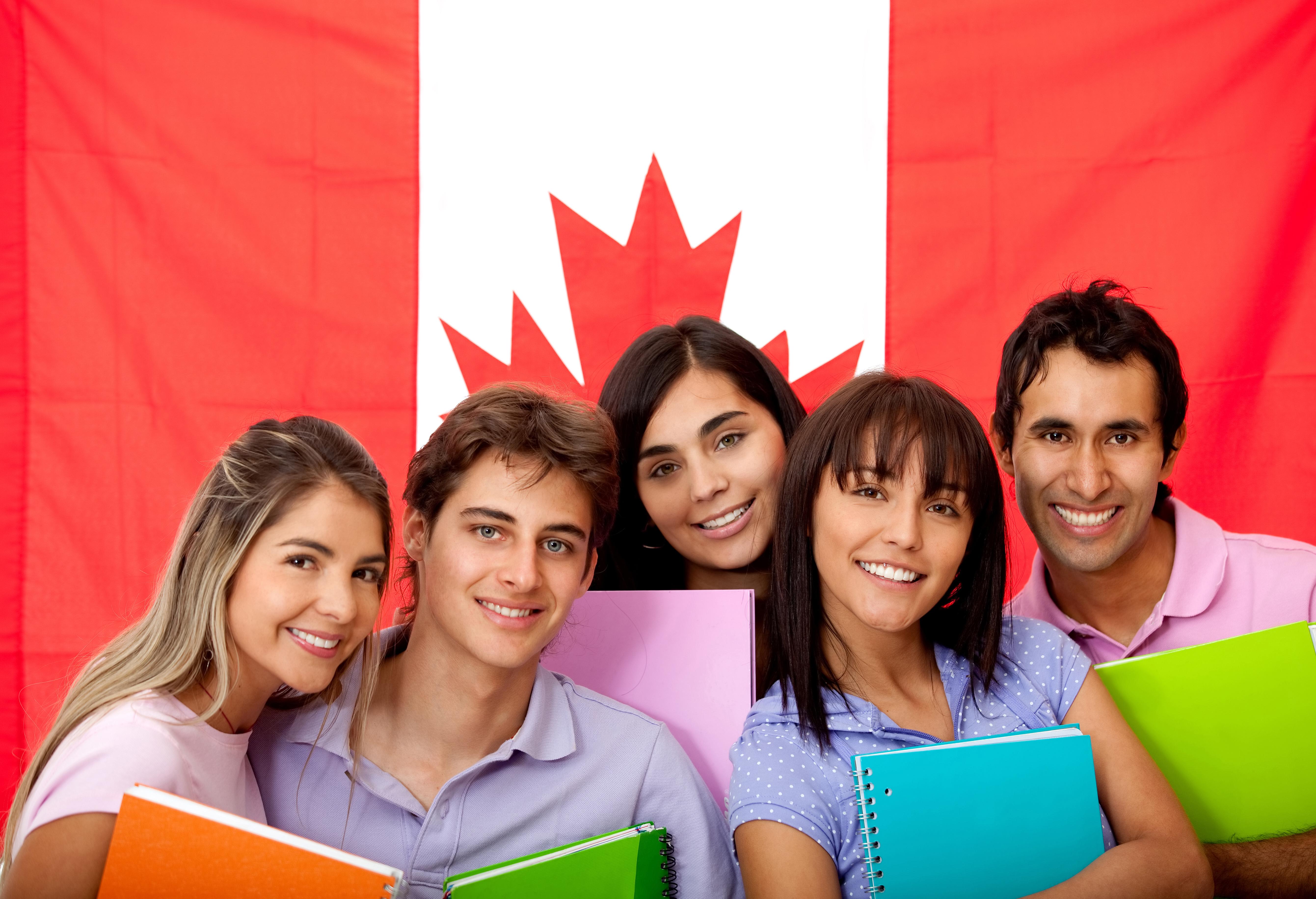 Студенты, которые могут обучаться в университетах и колледжах Канады