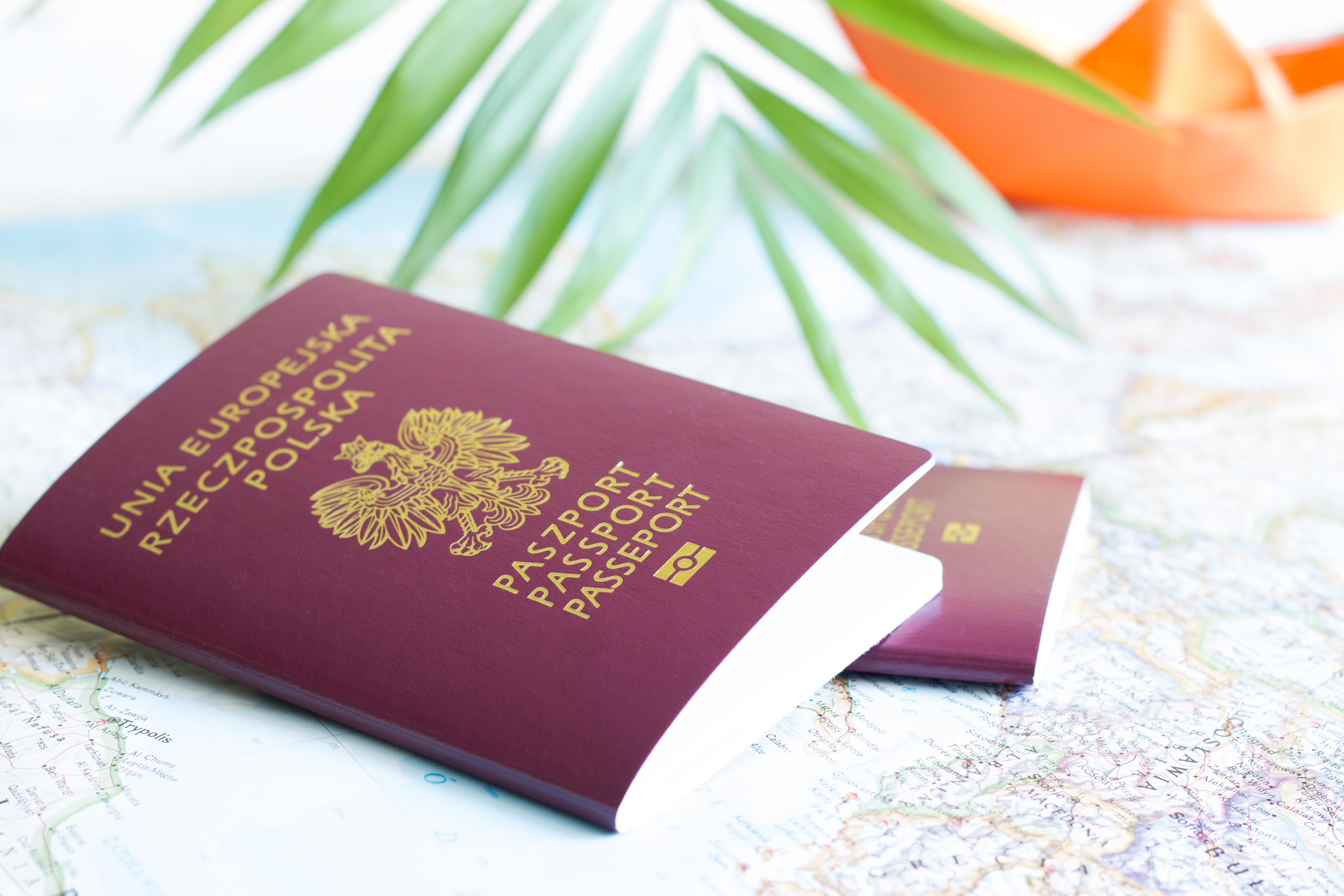 Польский паспорт, который можно получить согласно отзывам
