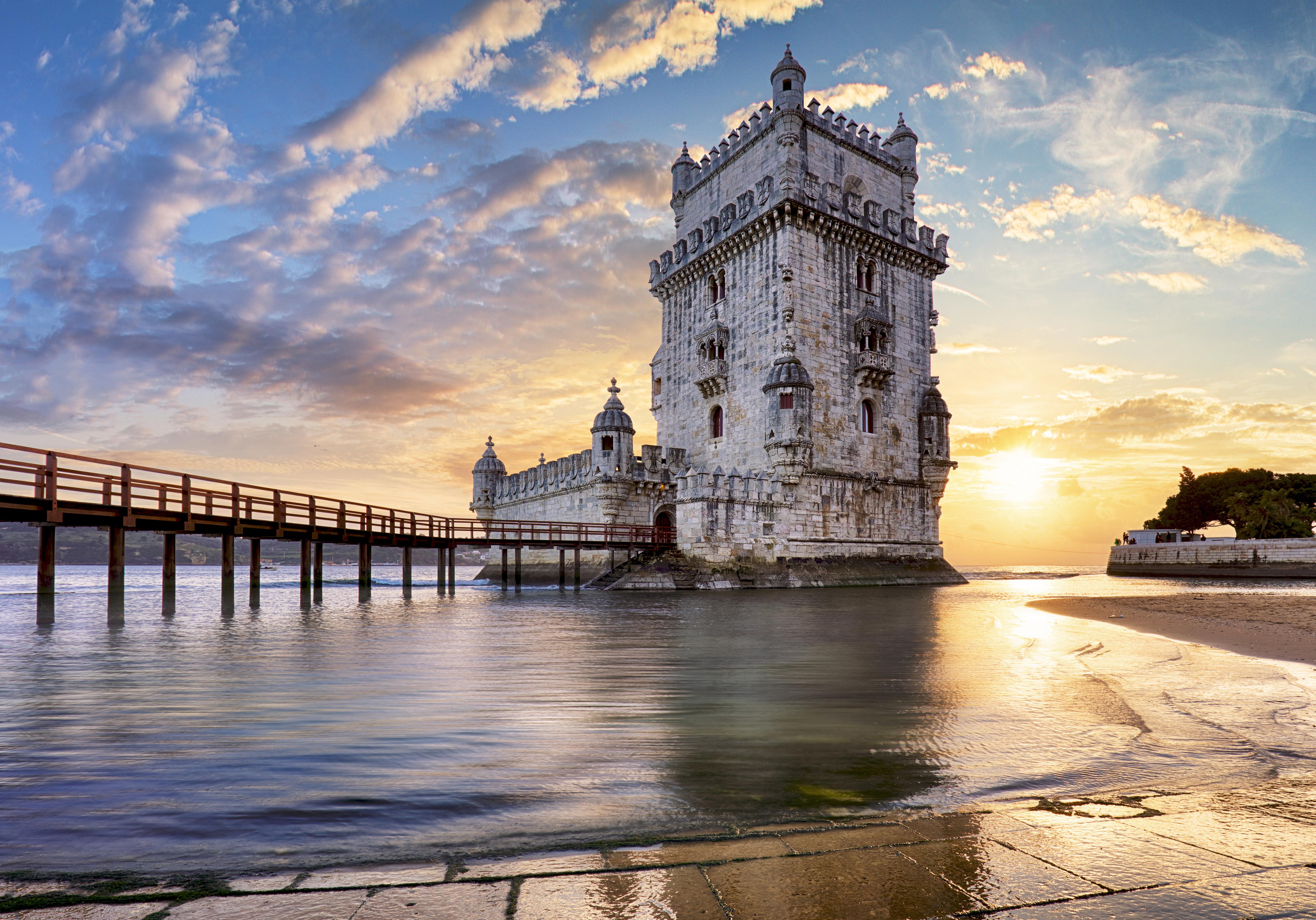 Башня Белем в Португалии, куда можно переехать из стран СНГ
