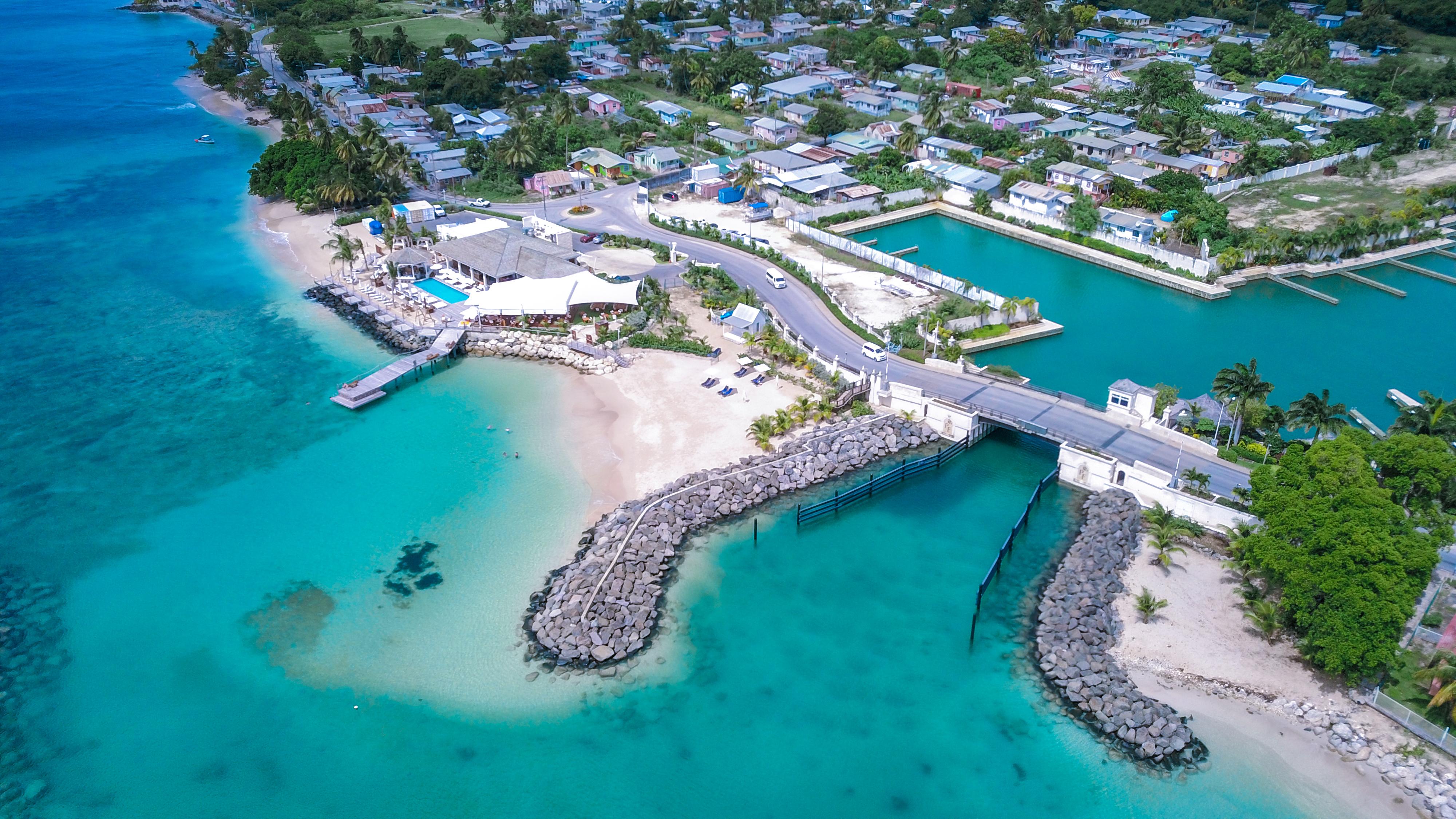 Побережье Барбадоса, работа в котором доступна для иностранцев