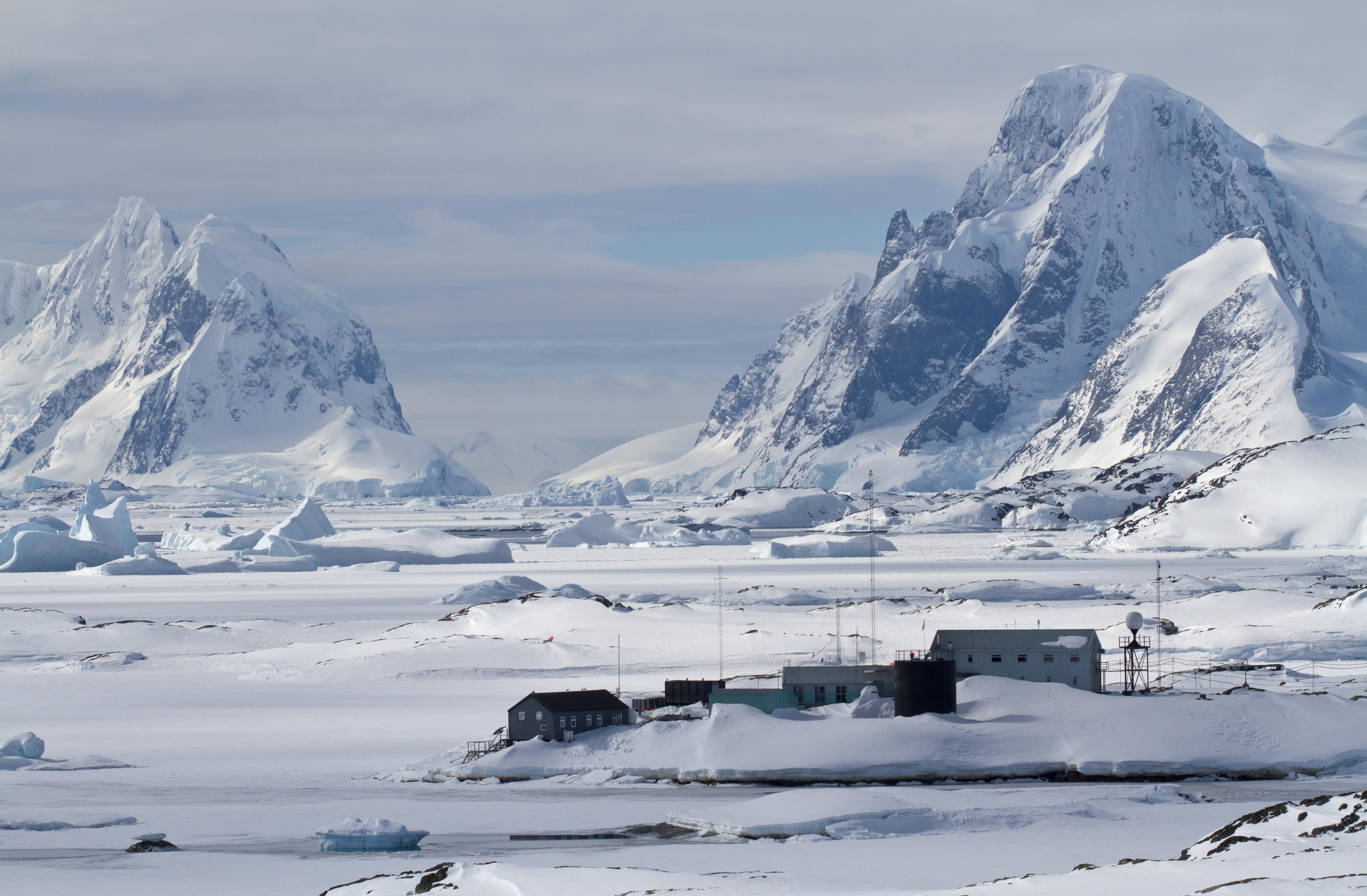 Научно исследовательская станция в Антарктиде, где работа доступна для иностранцев
