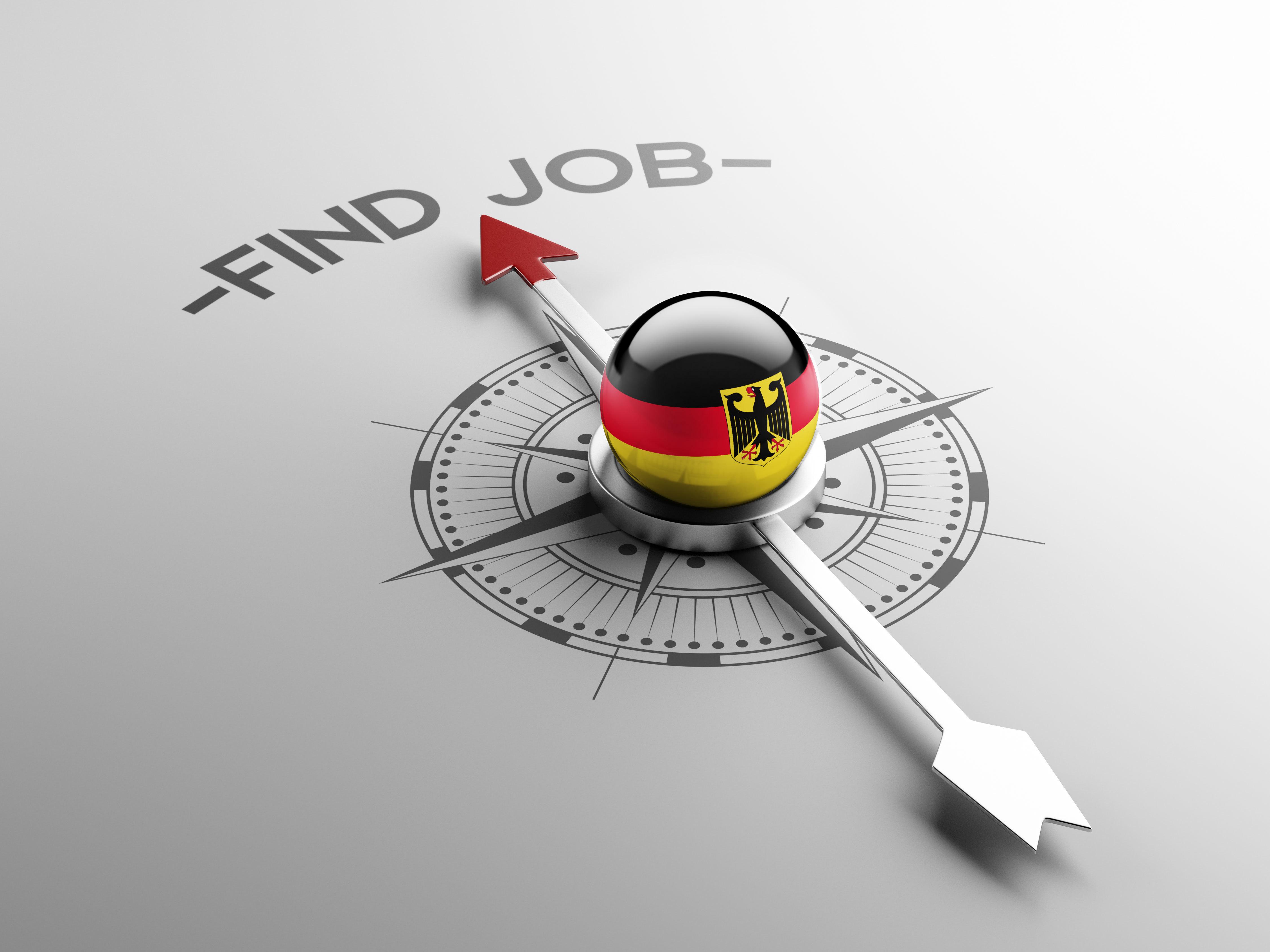 Флаг Германии, куда могут уехать на работу русские, украинцы и белорусы