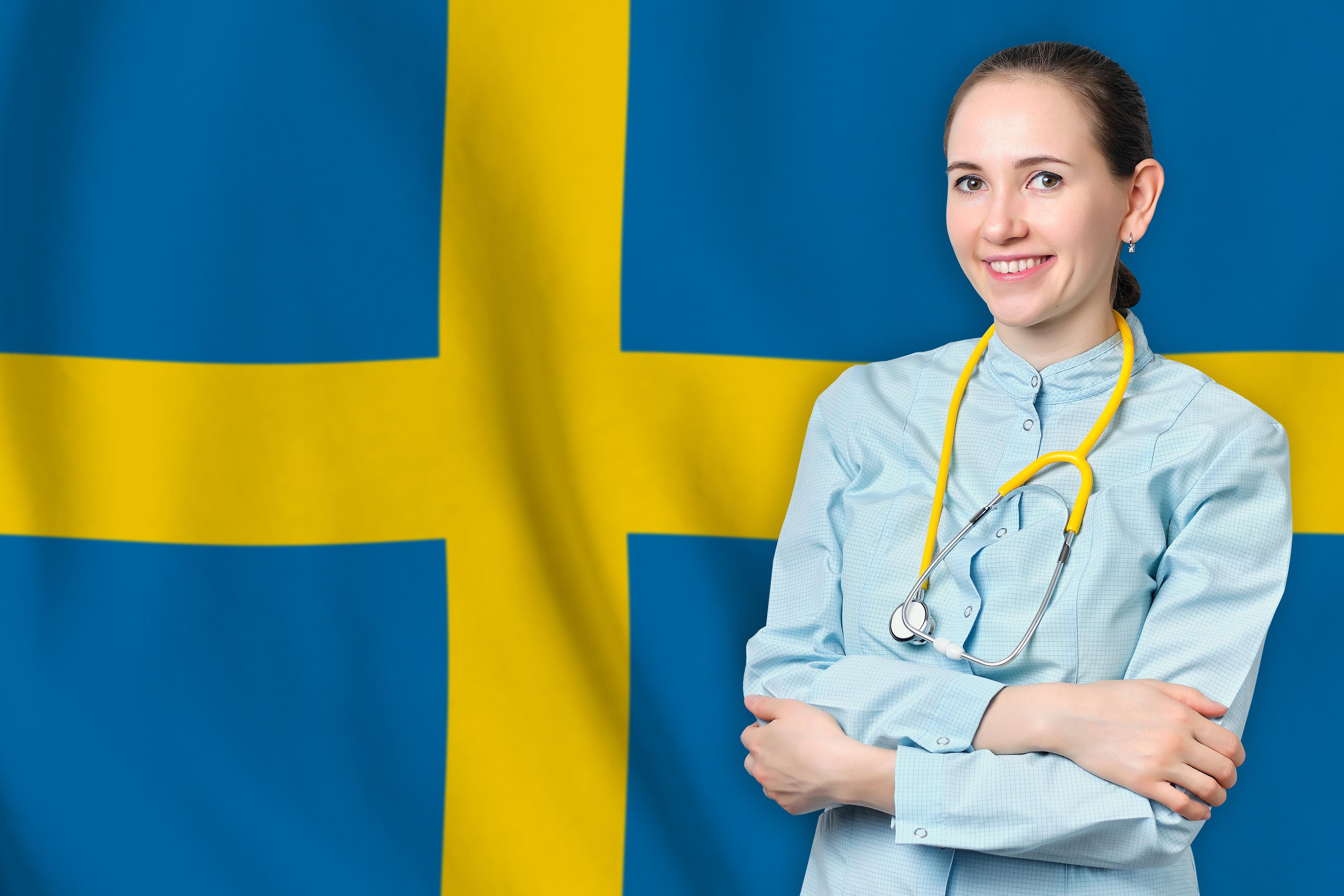 Врач на фоне флага Швеции, работа в которой доступна для иностранцев