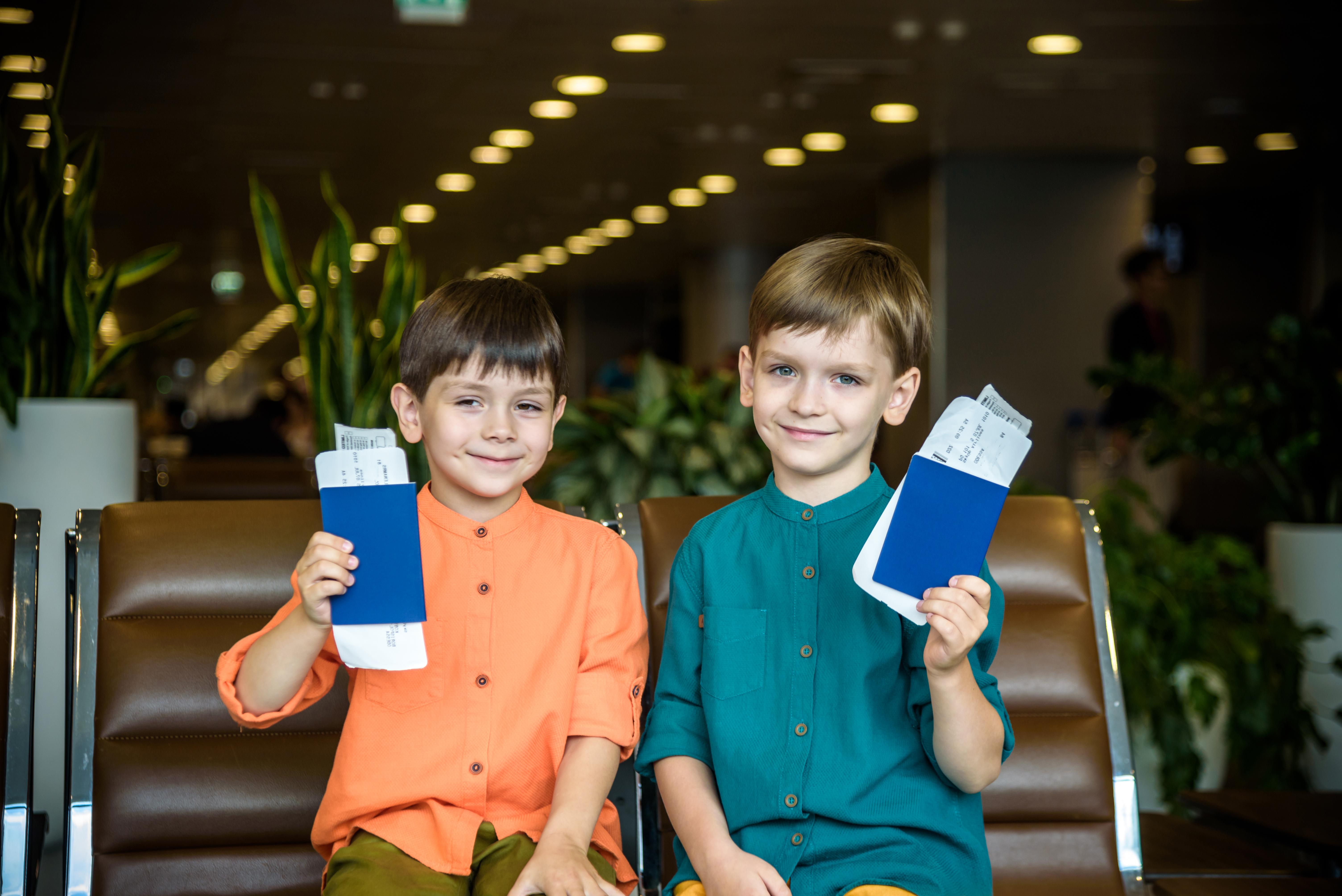 Дети, которым для выезда за границу нужно разрешение