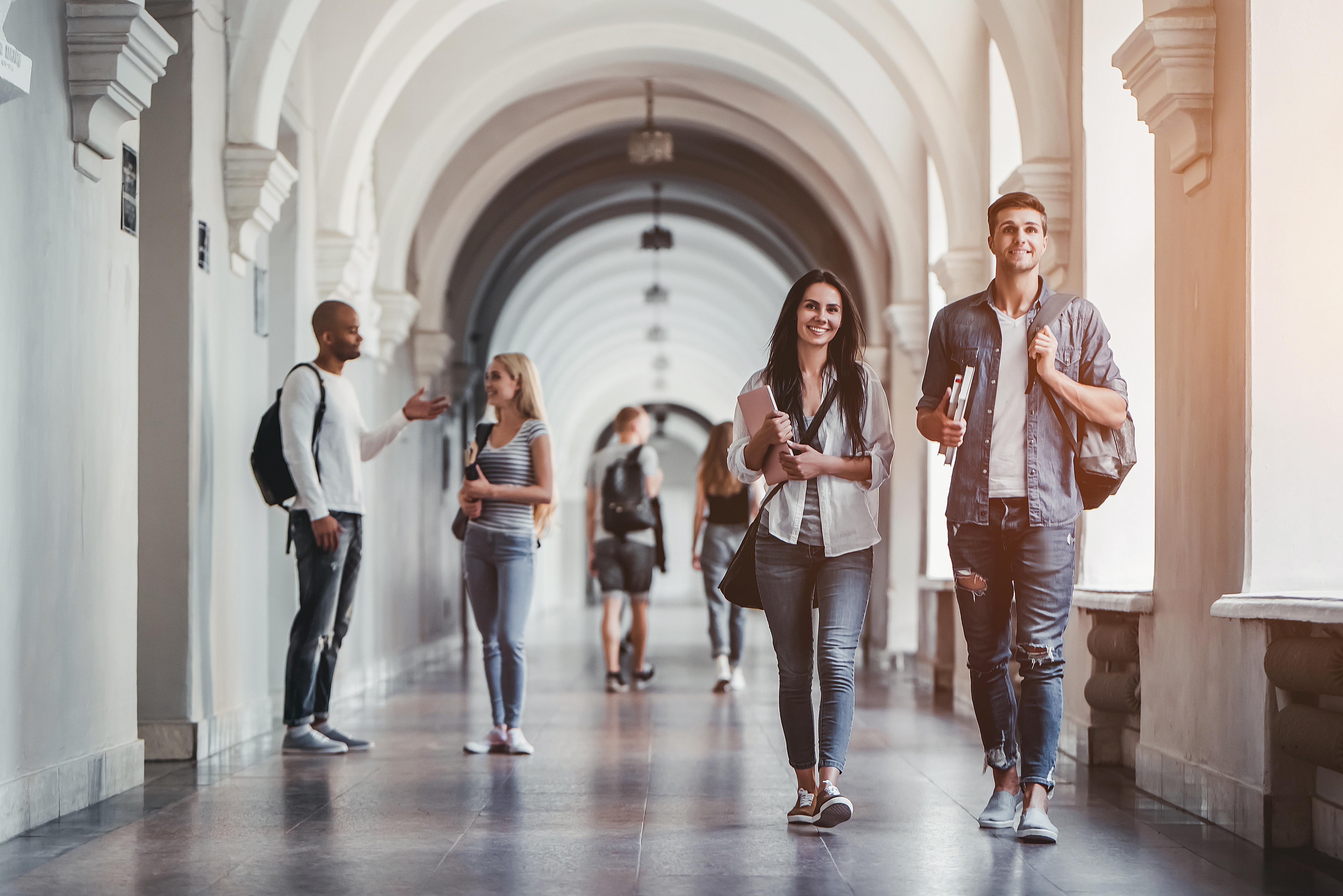 Студенты в Европе, куда можно иммигрировать по учебе