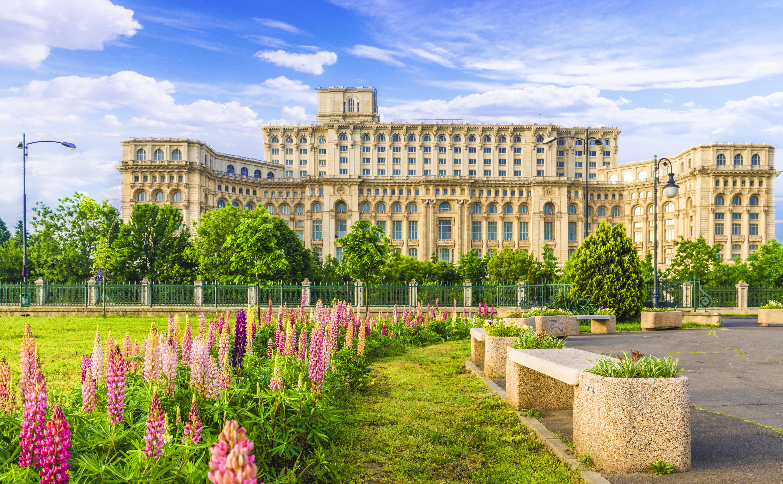 Дворец Парламента в Румынии, ВНЖ которой могут получить иностранцы