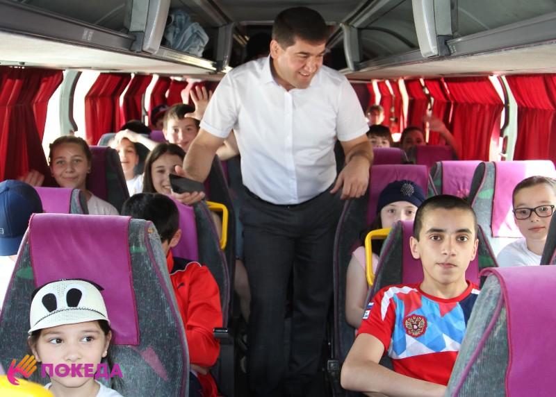 Дети едут за границу